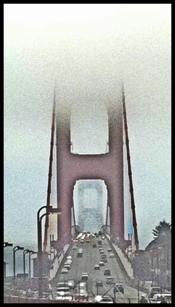 Golden Gate Bridge em dia de fog pesado