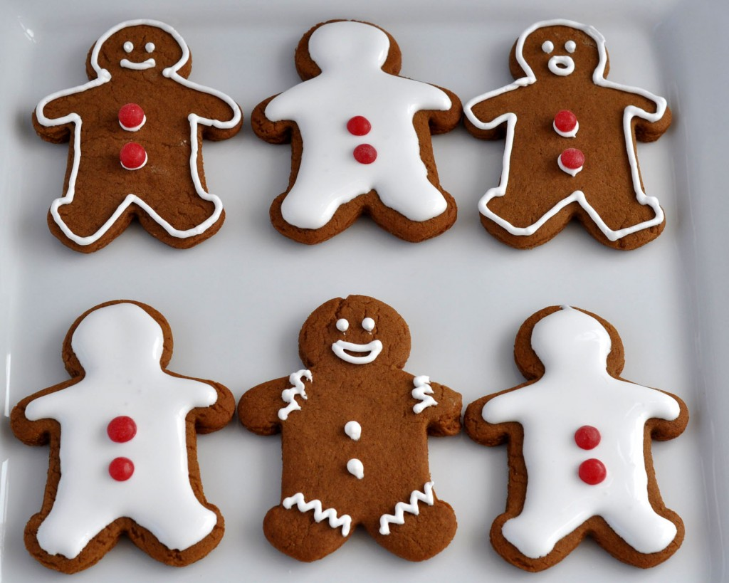 how to decorate gingerbread man cookies
