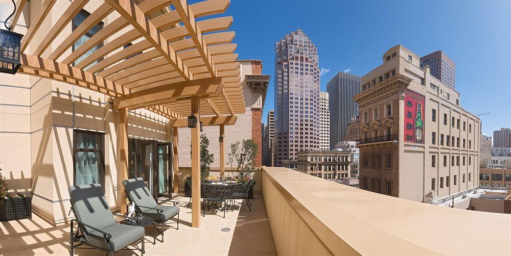 O terraço, bem gostoso em dias de sol.