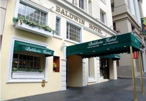 A simpática entrada do Baldwin Hotel.