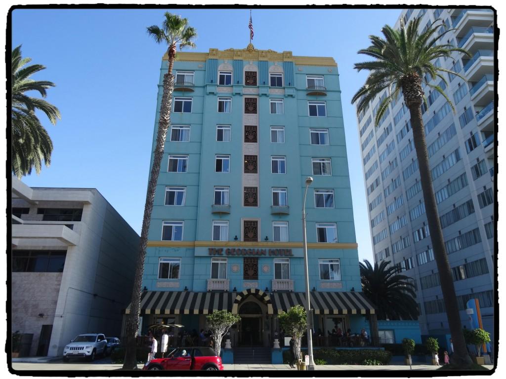 O prédio art deco se destaca na Ocean Drive.