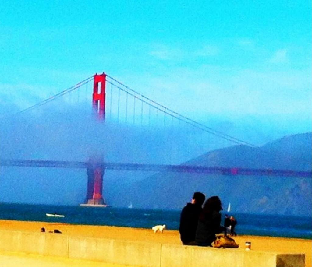 A primeira foto romântica com a Golden Gate de fundo, vai sempre pro porta-retrato