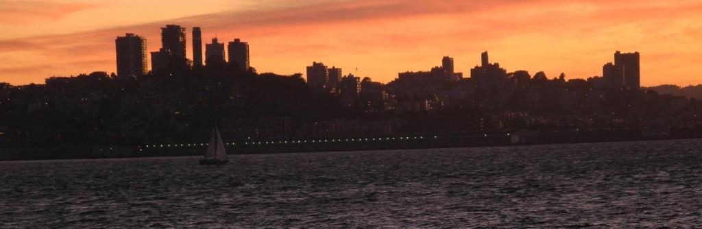 São Francisco, vista da Treasure Island, na hora mais bonita do dia.