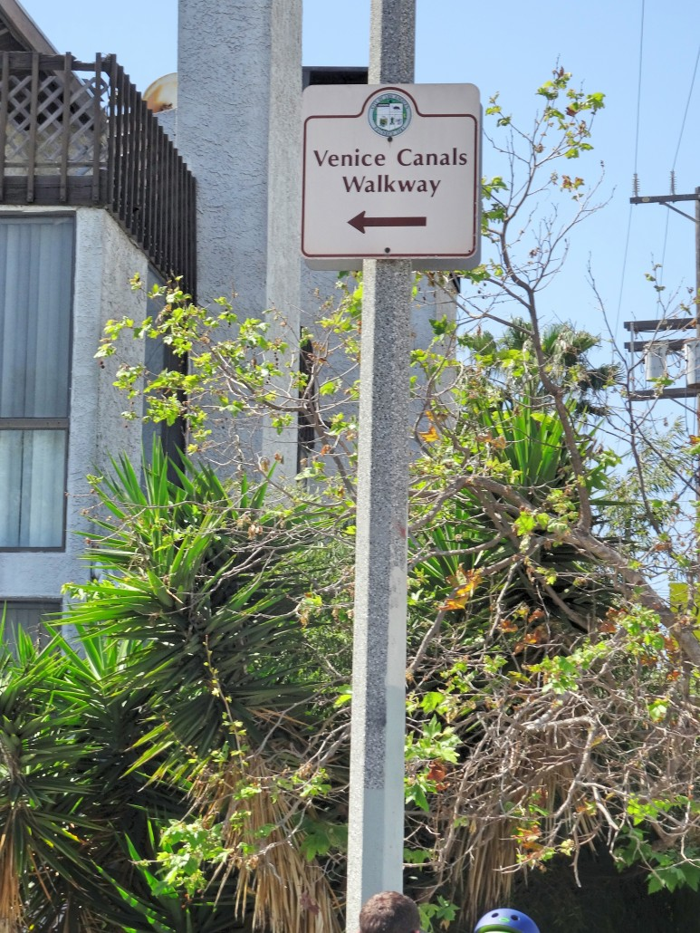 A entrada oficial fica no Grand Canal