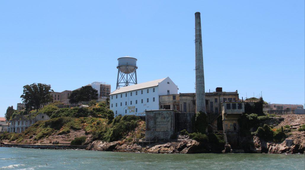Vista da Ilha de Alcatraz na Baía de São Francisco.