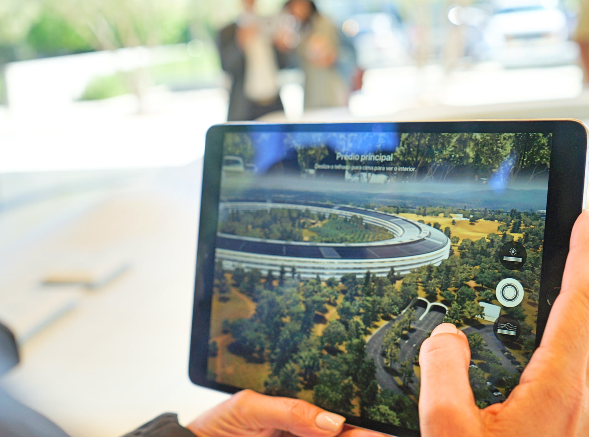 Tour Virtual no Apple Park em Cupertino usando um iPad - Hotel California Blog
