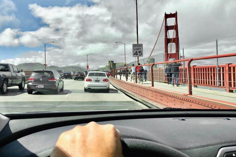 Dirigir nos EUA - Hotel California Blog